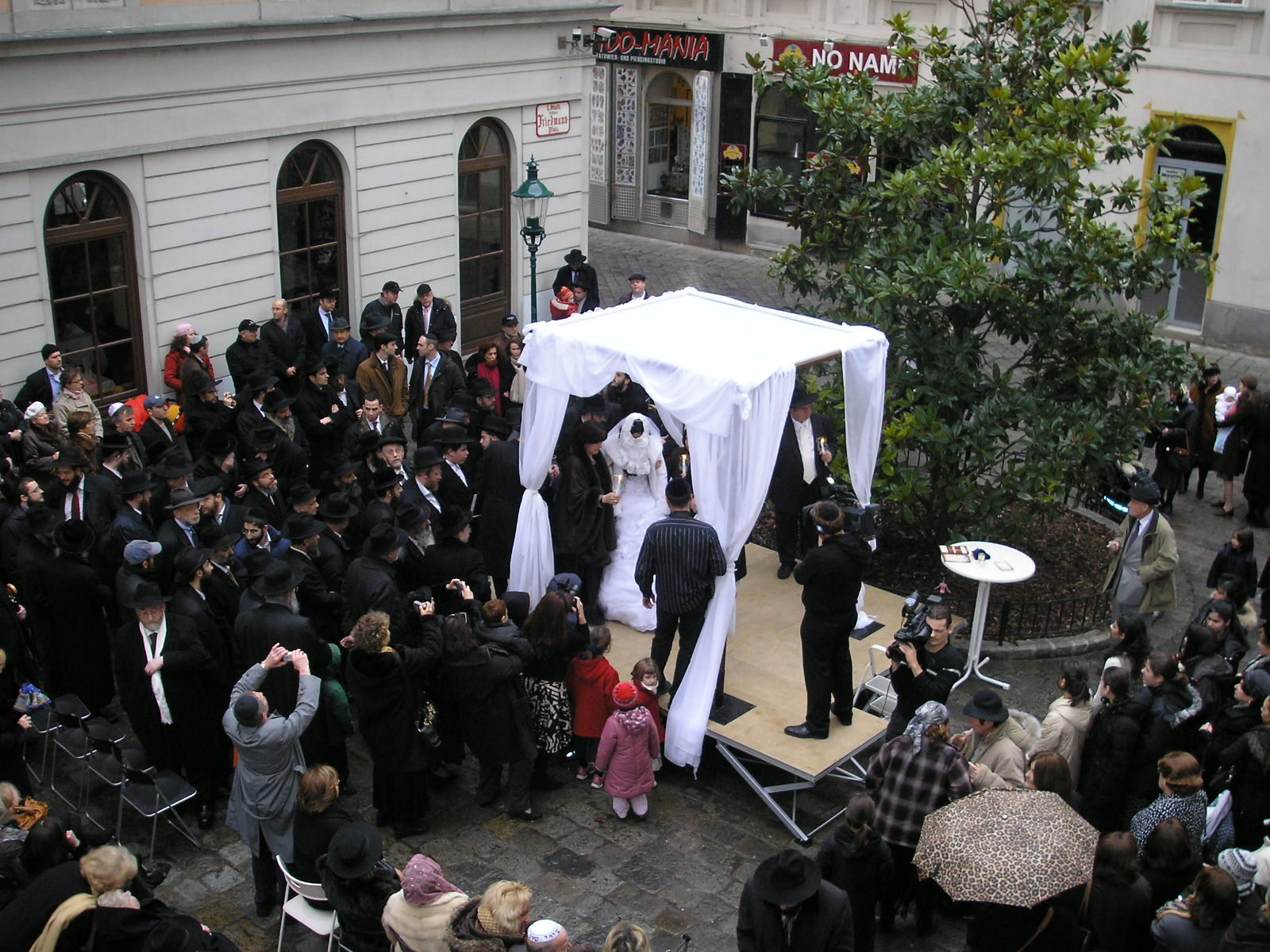 Jewish Wedding-Jewish Couple-Vienna-Marriage-Chuppah-Mount Sinai