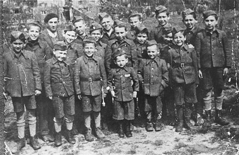 Buchenwald Children-Liberation-German soldiers