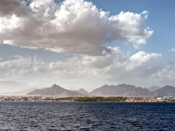 Red Sea-Clouds