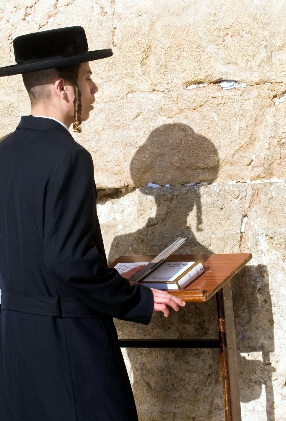 Chasidic-prayer-Wall