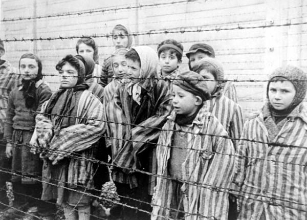 Auschwitz-orphan-children-Holocaust-survivors