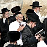 feature-prayer-at-Kotel