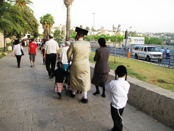 family-synagogue-Shabbat-Jerusalem
