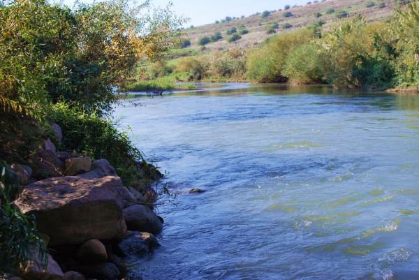 Jordan_River_banks_water_Israel