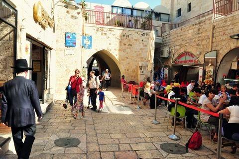 Jerusalem-Jewish-quarter-ourdoor-restaurant
