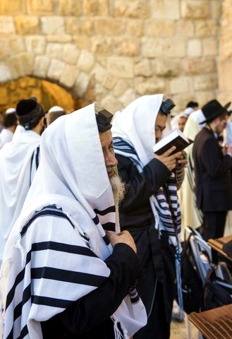 Selichot-western-wailing-wall-Jerusalem-Kotel