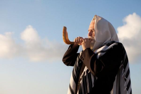 ram's horn-shofar-tallit