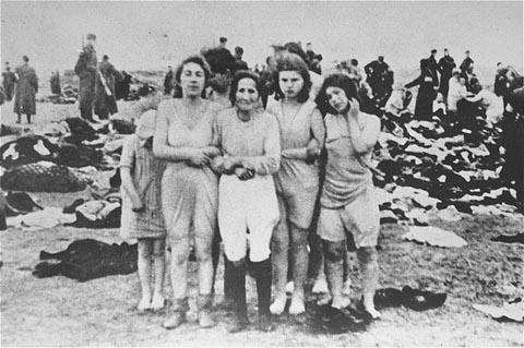 Liepaja-Massacres-jewish women