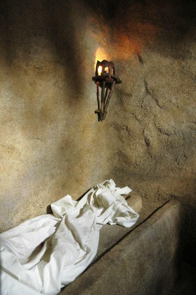 empty burial cloth-shroud