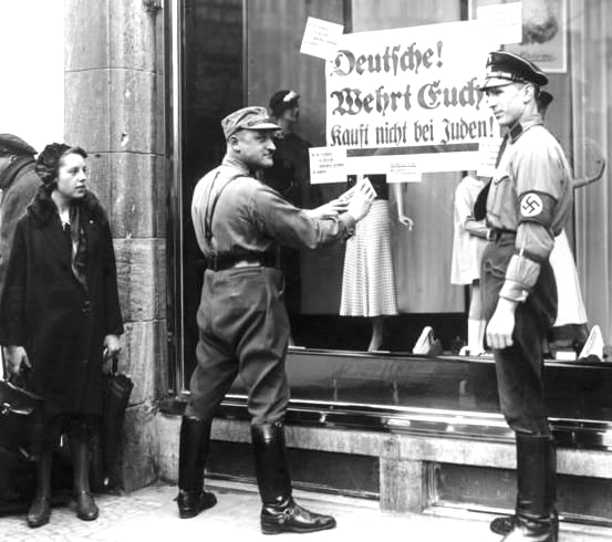 Bundesarchiv Bild-Sturmabteilung-Brownshirts