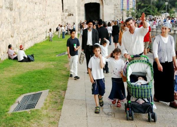 Jerusalem-family-Strolls-Old-City-Ezekiel 38