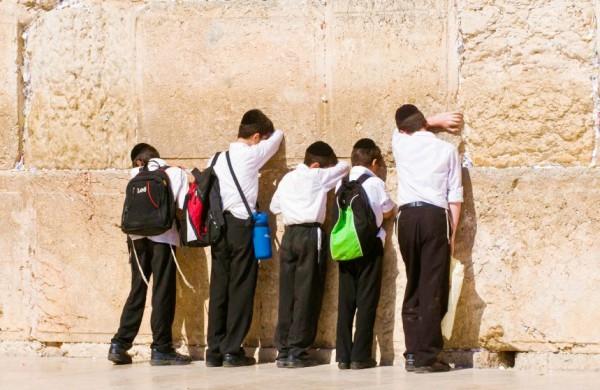 children-boys-prayer-Western Wall-Jerusalem
