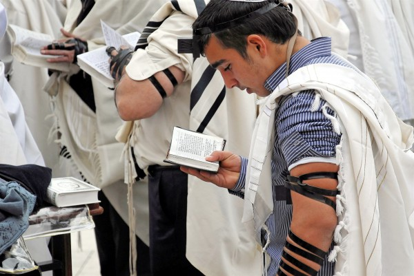 Jewish prayer-tallit