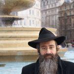 london-trafalgar square- orthodox jewish man