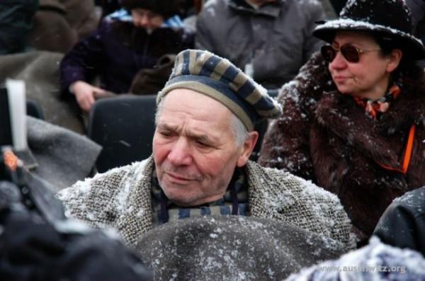 Holocaust-survivor-60th anniversary of the liberation of Auschwitz