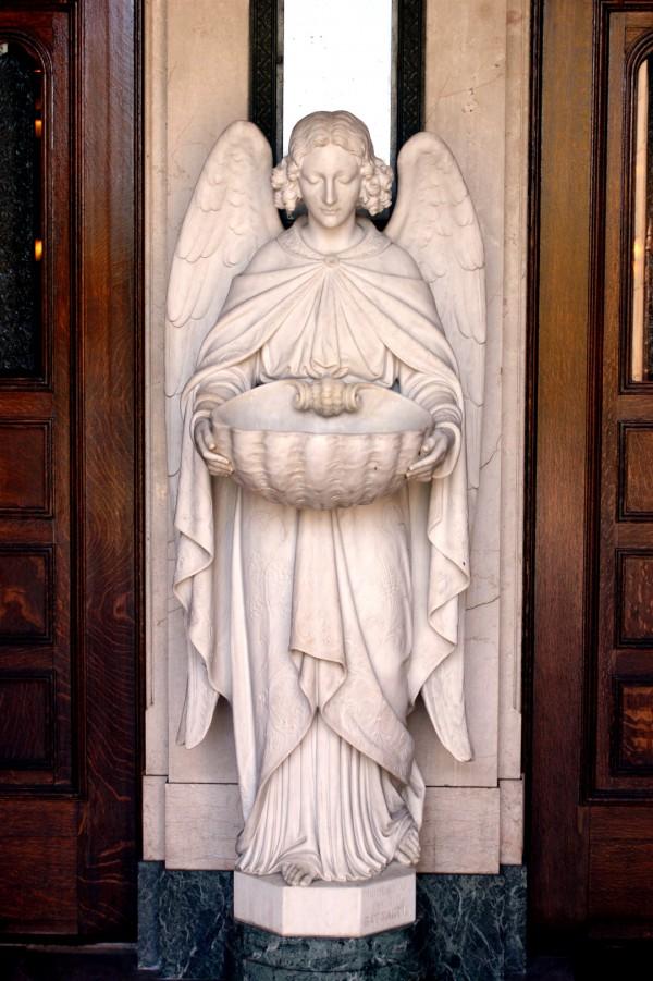 A statue of an angel in a San Francisco church (Photo by Alvaro Guzman)
