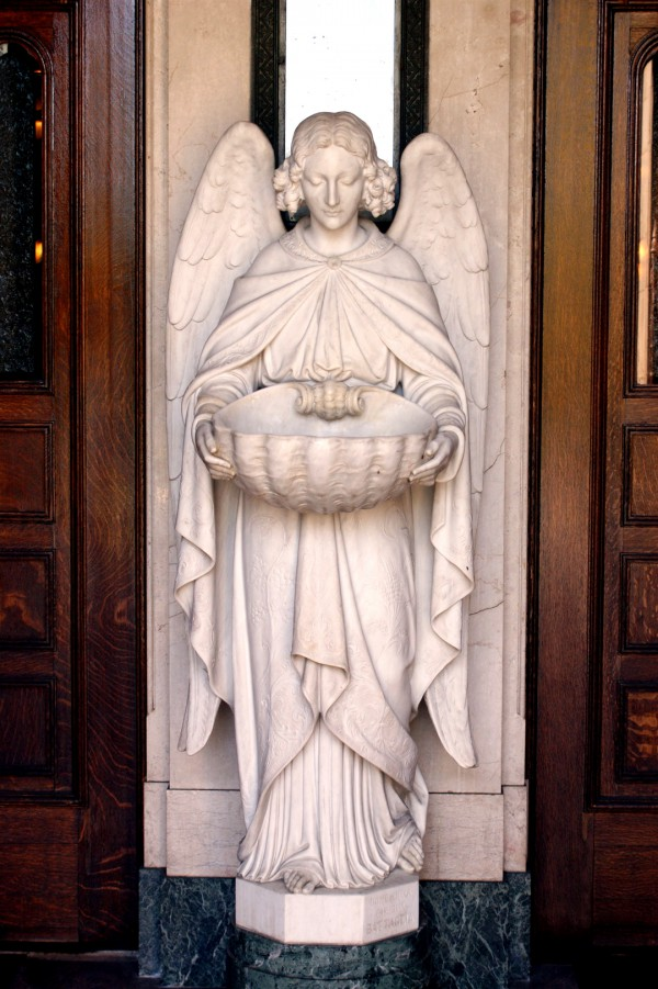 A statue of an angel in a San Francisco church (Photo by Alvaro Guzman)