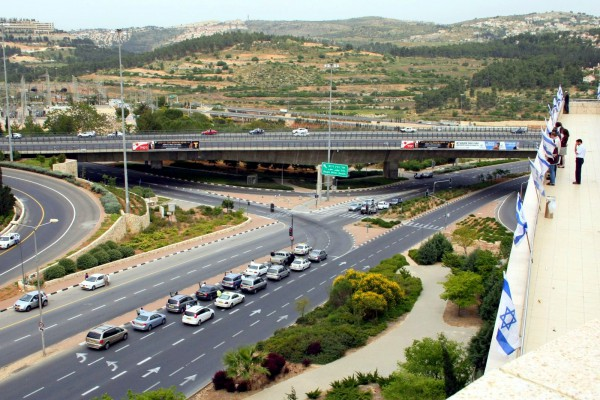 Traffic stops for two minutes in Israel as the sirens sound on Yom HaShoah. (Photo by Avital Pinnick)