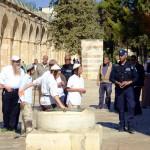 Jewish tourists on the Temple Mount in Jerusalem