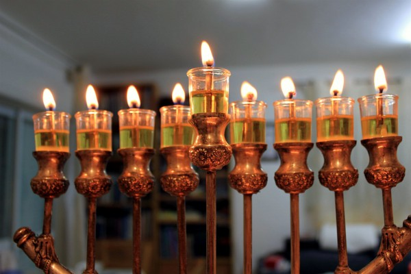 Oil in a hanukkiah (Photo by Yair Aronshtam)