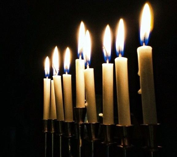 hanukkiah-Hanukkah