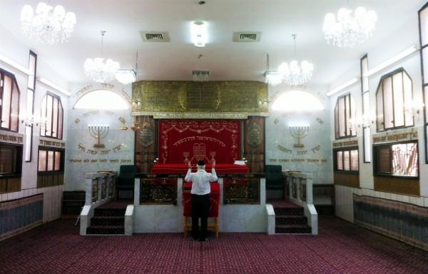 Karaite, synogogue, Jewish prayer, ark